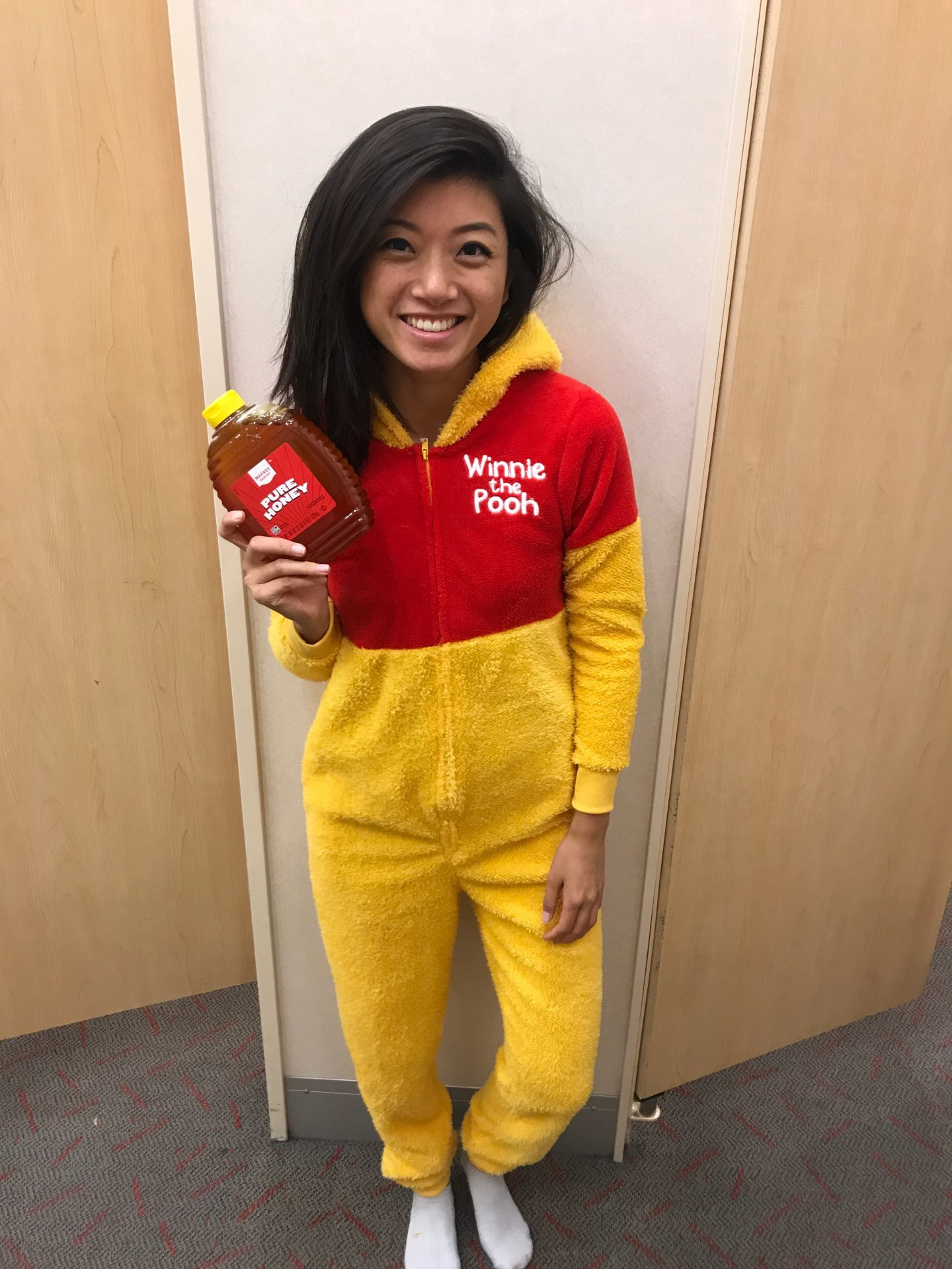 Looking for the perfect flash back costume idea? Los Angeles Lifestyle Blogger My Teacher Got Style is sharing the best flash back costume ideas HERE!
