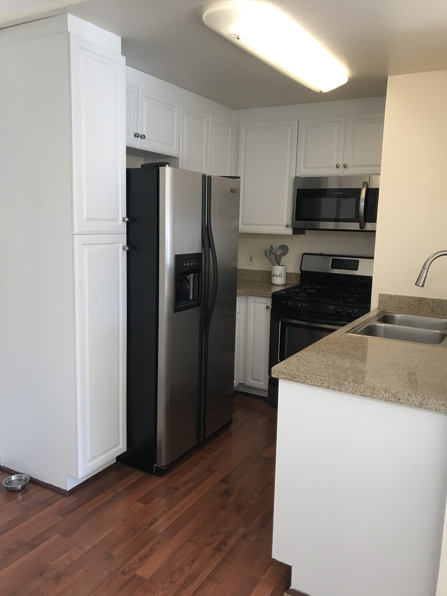 Looking to remodel your kitchen on a budget? Los Angeles Blogger My Teacher Got Style is sharing her top tips to remodel your kitchen on a budget. See them HERE!
