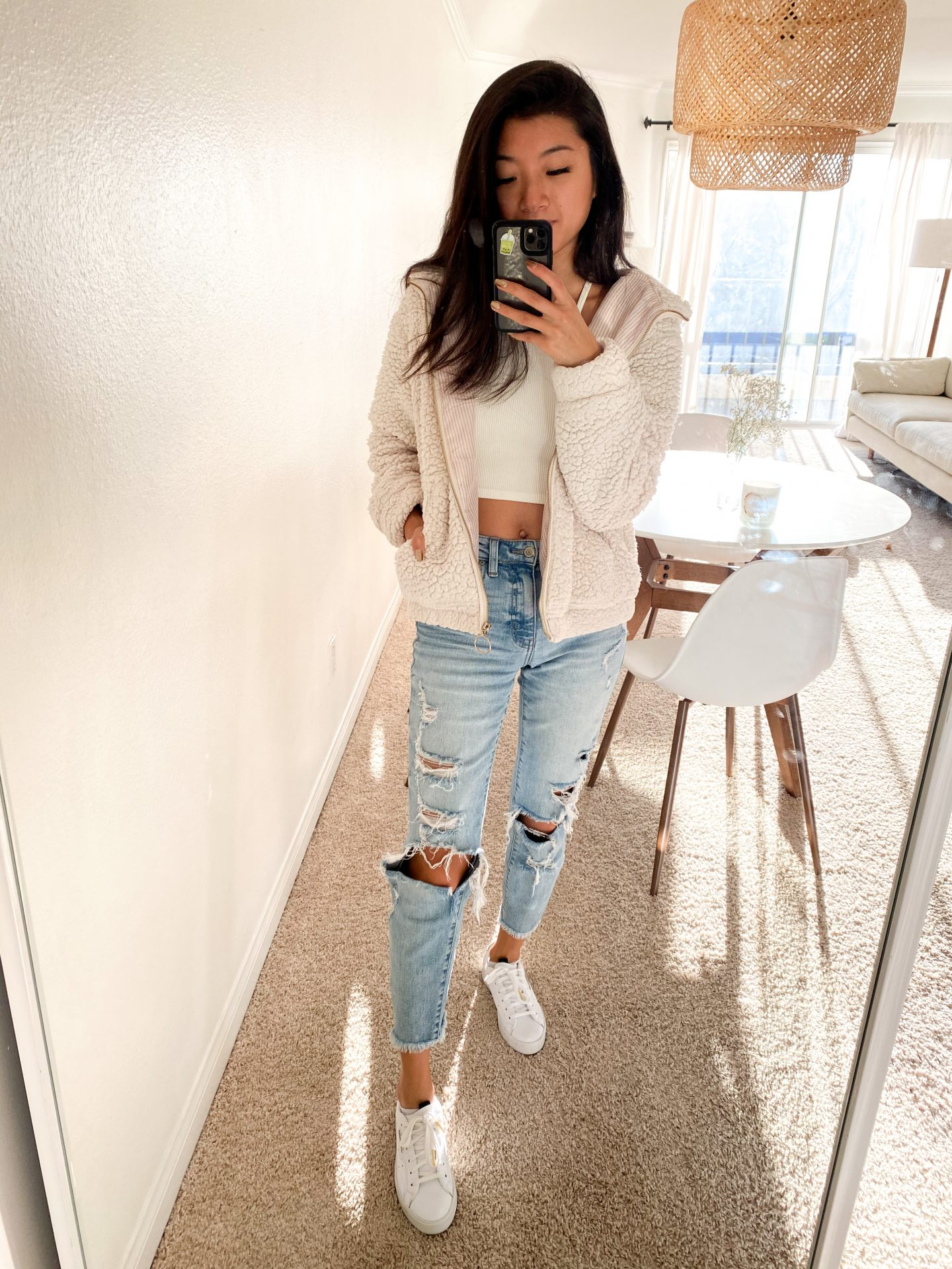 Looking for the perfect Spring fashion trends? Los Angeles My Teacher Got Style is sharing her favorite spring fashion trends HERE!